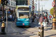 电车街市在伊斯坦布尔 库存图片