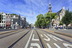 电车路轨在阿姆斯特丹老镇 免版税图库摄影