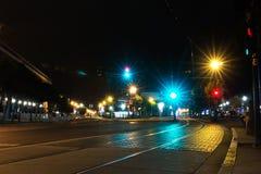 电车道在晚上,旧金山 库存照片