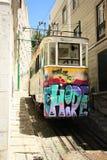电车28在里斯本,葡萄牙 库存照片