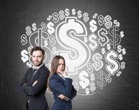 男人、妇女和美元的符号覆盖 免版税库存图片