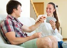 男人和女子纸牌 免版税库存图片