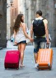 男人和妇女在度假 免版税库存图片