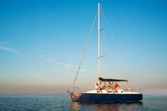 男人和妇女小船的 免版税图库摄影