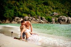 男人和妇女海滩的 免版税库存图片