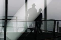 男人和妇女的反射 图库摄影