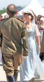 男人和妇女画象历史服装的,他们跳舞 免版税库存图片