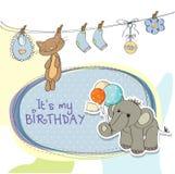 男婴与大象的生日贺卡 向量例证