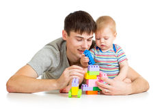 男婴和父亲一起使用 免版税库存图片