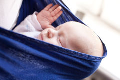 男婴新出生休眠 免版税库存照片