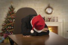 男孩做一个愿望 新年` s假日的门限 库存图片