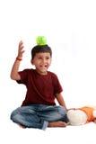 男孩印第安嬉戏 图库摄影