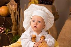男孩厨师服装一点 库存照片