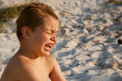 男孩哭泣 库存照片
