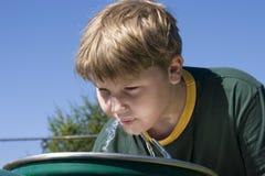 男孩喷泉 免版税库存图片