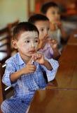 男孩在缅甸的一所学校 库存图片