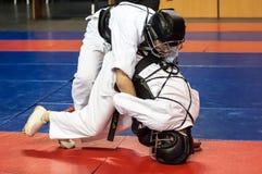 男孩在Kobudo,奥伦堡,俄罗斯竞争 库存照片