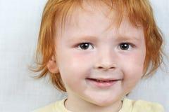 男孩头发的红色 免版税库存图片