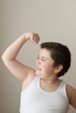 男孩孩子力量训练肌肉体育厚实的强有力的锻炼肥胖背心 图库摄影