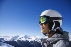 男孩少年山的挡雪板 免版税库存图片