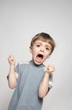 男孩尖叫的一点 免版税库存照片