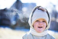 男孩愉快的冬天 免版税库存照片
