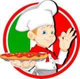 男孩拿着薄饼的厨师动画片 免版税库存图片