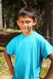 男孩森林愉快的室外阳光年轻人 库存图片