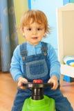 男孩汽车纵向骑马玩具 库存照片