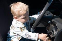 男孩汽车 免版税库存图片