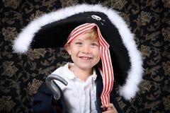 男孩海盗 免版税库存照片