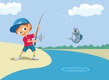 男孩渔在河 免版税库存图片