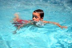 男孩游泳者年轻人 库存图片