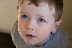 年轻男孩特写镜头 免版税图库摄影
