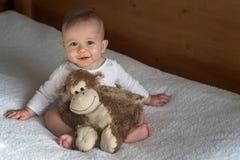 男孩猴子 图库摄影