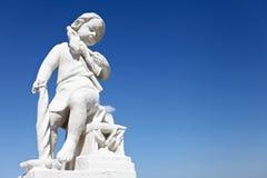 男孩白色雕塑  库存图片