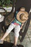 男孩睡觉 图库摄影