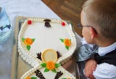 男孩蛋糕空查找 库存图片