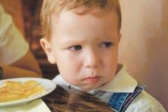 男孩被触犯的一点 免版税库存图片
