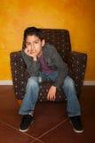 男孩讲西班牙语的美国人 库存图片