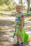 男孩走的一点 免版税图库摄影