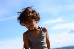 男孩跳舞 免版税图库摄影