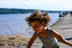 男孩跳舞 免版税库存照片