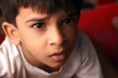 男孩逗人喜爱印第安语一点 图库摄影