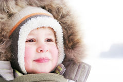男孩逗人喜爱的孩童用防雪装 免版税图库摄影