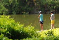 男孩钓鱼 免版税图库摄影
