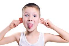 男孩购买权儿童情感女孩笑电话尖叫 免版税库存照片
