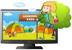 男孩去的野营在领域 免版税图库摄影