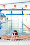 男性休息的游泳者 库存图片