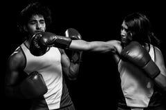 男性和女性拳击手 免版税图库摄影
